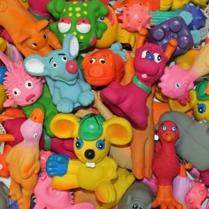 4 x Latex Hundespielzeug